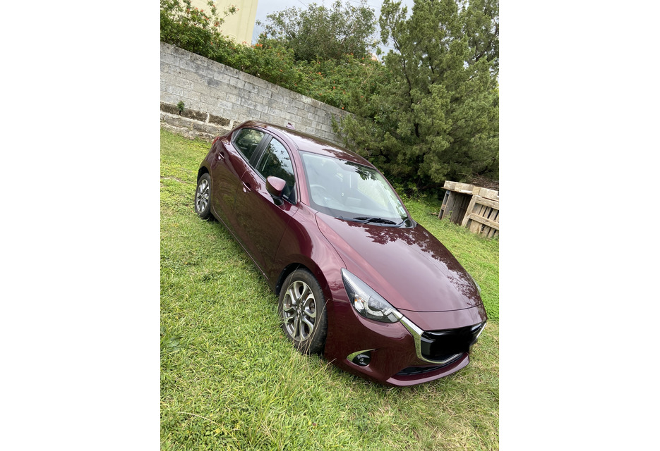 Mazda 2 - nearly New!