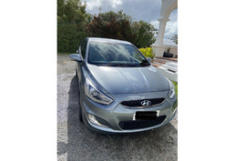 Hyundai Accent (leather interior)